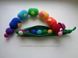 Развивающая игрушка - радужная гусеница-погремушка