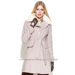 Jessica Simpson пальто