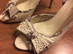 Продам туфли женские с открытым пальчиком