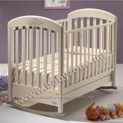 продам детскую кроватку в подарок матрас