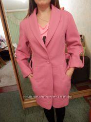 Стильное  теплое шерстяное пальто р-р 46