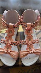сандалии для девочек Keddo