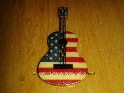 Гитара деревянная пуговица