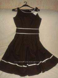 красивое офисное платье-сарафан
