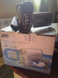 Видеокамера jvc gr - d750er
