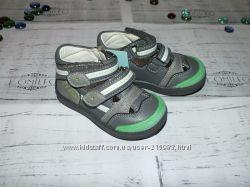 Туфельки с прорезиненым носочком для самых маленьких модников