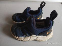 NIKE детские кроссовки Nike 21размер 11 см по стельке