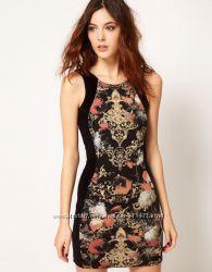 Шикарное платье мини по фигуре со вставками бархата по бокам