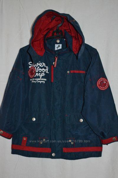 Куртка-ветровка утепленная на мальчика 5-6 лет