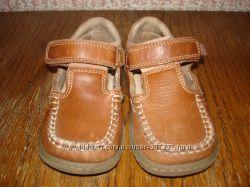 Туфельки кожа размер 25