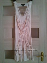 Платье с изюминкой на спине. Размер S.