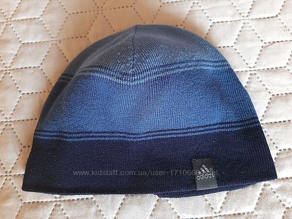 Подростковая  шапка Adidas в отличном состоянии