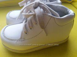 Белые кожаные ботиночки Stride rite