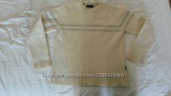 Продам шерстяной свитер 96 процентов шерсти на мальчика 10-13 лет торговой