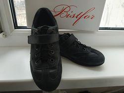 Продам туфли- кросовки р.32 Bistfor
