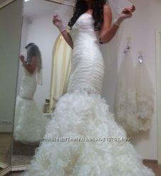 Свадебное платье Bertha. с камнями. стразами. силуэт рыбка. Цена снижена