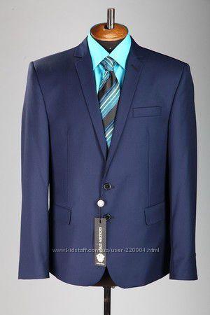 Стильный темно-синий мужской деловой костюм
