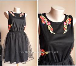 Люкс Потрясающее платье Вышивка гипюр BOOHOO