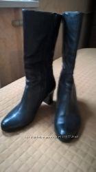 Ботинки  кожаные р. 40  в наличии