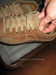 Шикарные кроссовки. кожа, Америка. в идеале. фирма САТ,