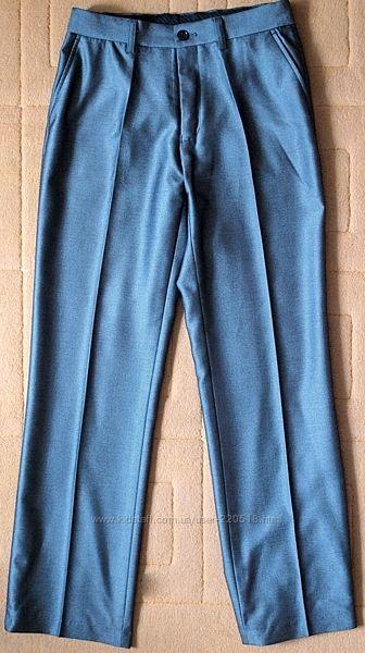 Фирменные брюки на стройного мальчика 11-13 лет в школу