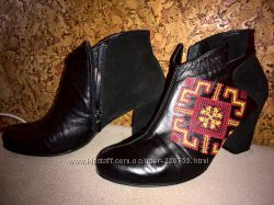 Распродажа Полусапожки ботинки Вишиванка с красно-желтой вышивкой 40р.