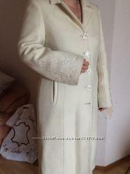Пальто женское зимнее белое