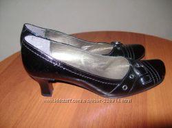 Туфли модельные натуральная кожа р. 41-42стелька 28 см Новые