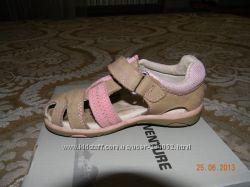 Продам кожанные сандали 24 размера фирмы OUTVENTURE