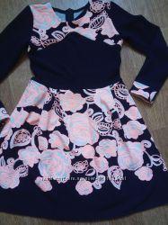 Красивое нарядное платье с длинным рукавом