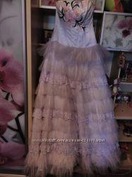Новое платье с актуальной бисерной вышивкой