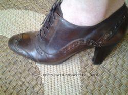Продам шкіряні туфлі 38р. ціну знижено