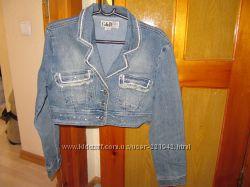 Продам джинсовые курточки размер М-Л