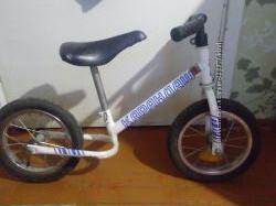 Продам наш любимый беговел-велобег Карандаш
