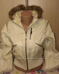 Женская короткая белая курточка размер с
