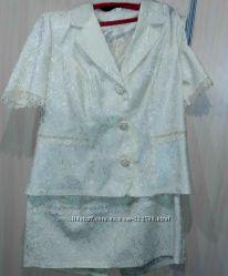 Молочный женский костюм юбка пиджак большой размер 54