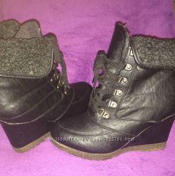 Ботинки теплые на танкетке зима размер 36