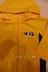 спортивный костюмчик Nike оригинал состояние нового