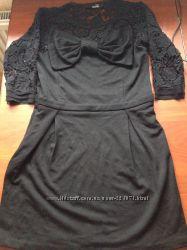 Женское  платье  LOVE MOSCHINO
