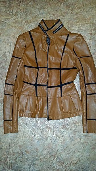 Продам симпатичную курточку