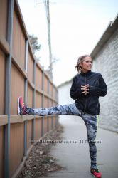 Фирменная ветровка куртка для бега, спортивная
