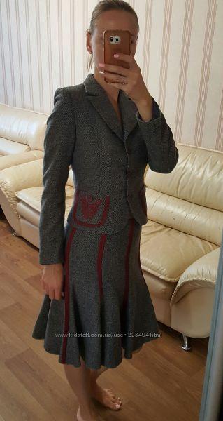 Шерстяной деловой костюм Petr Soroka p. 42