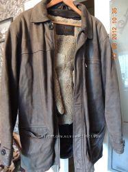 Распродажа Очень добротная кожанная курткаHugo Boss на цигейке, зима
