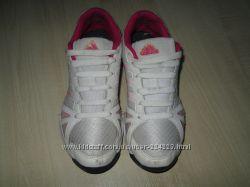Классные кроссовки Adidas . Оригинал