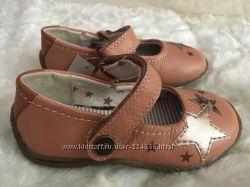 Новые кожаные туфли Next британский 5 размер.