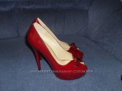 Красивые туфли состояние новых 37р натуральная кожа дёшево