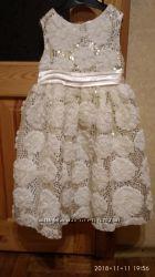 Нарядное платье 5 - 6 лет