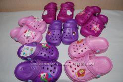 Новые кроксы, сандалии, шлепки Vitaliya разные цвета и размеры