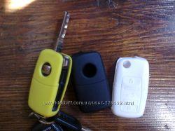 В продаже, белый силиконовый чехол на ключ SKODA  SEAT VW AUDI