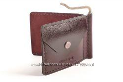 Кожаное портмоне с зажимом для купюр и монетницей Travelbook
